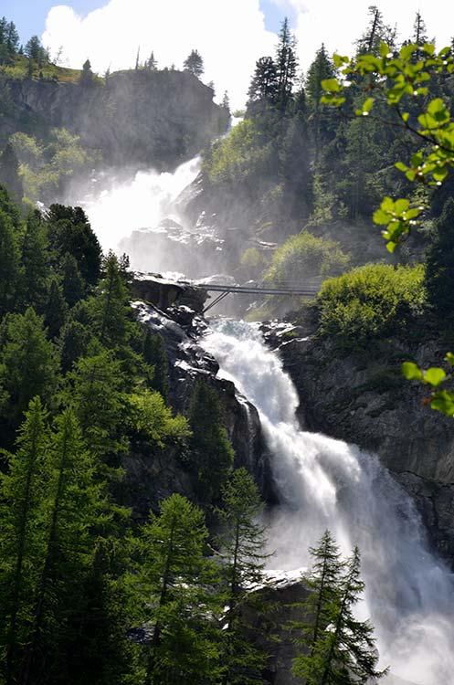 La-Thuile-Cascate-Rutorine-Il-nuovo-ponte-Credit-Guida-Alpina-Giuseppe-Alliod