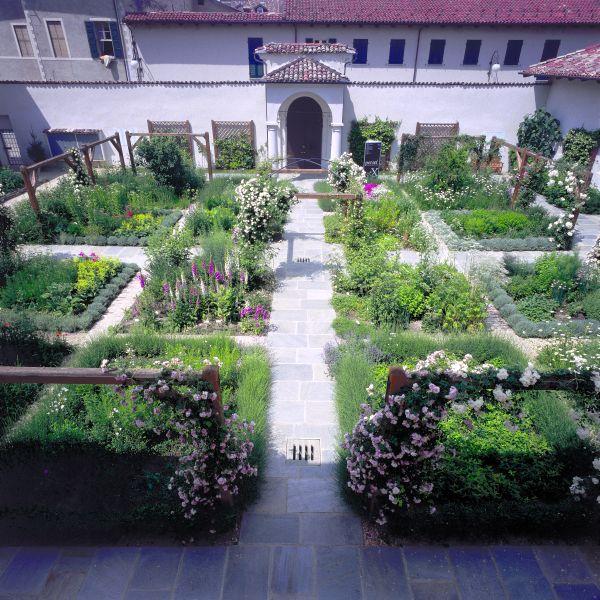 Cover Giardino della Canonica di San Pietro