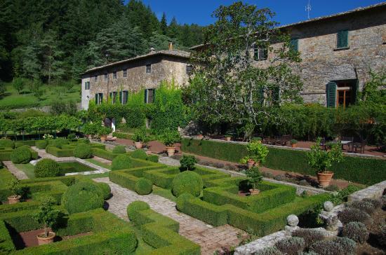 Cover Giardino della Badia a Coltibuono – Abbazia di San Lorenzo a Coltibuono
