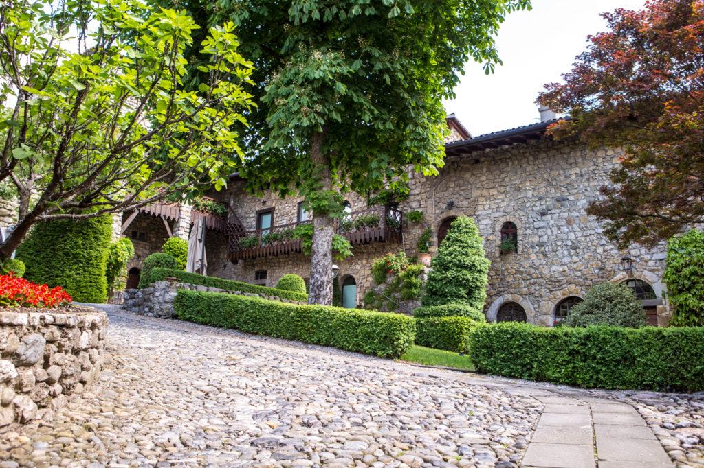 Cover Castello di Monasterolo