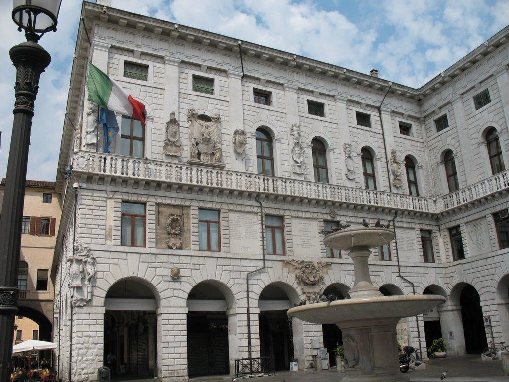 Cover Palazzo Moroni