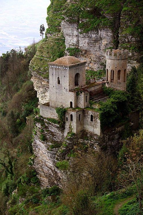 cliff-castle-trapani-sicily