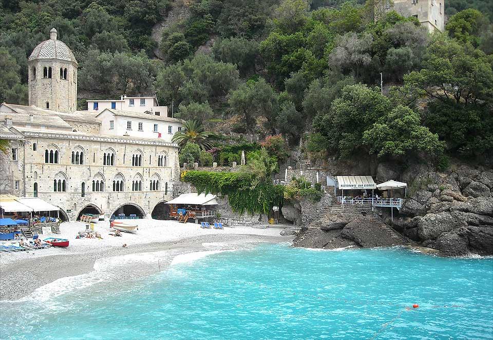 portofino-coast-camogli-fai-abbazia-di-san-fruttuoso