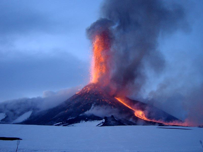 etna-fontana-lava-800