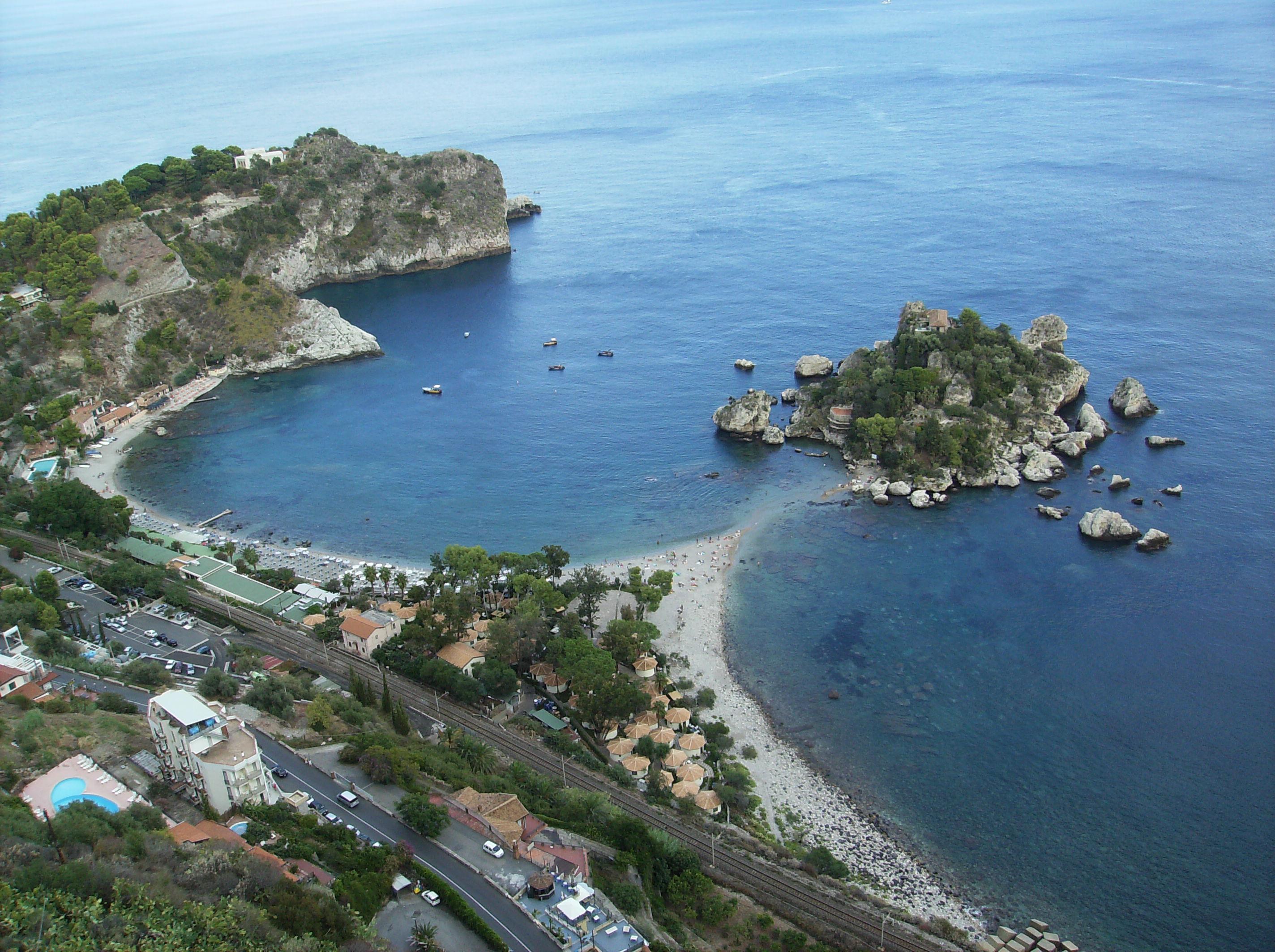 taormina-isola-bella-heli-view
