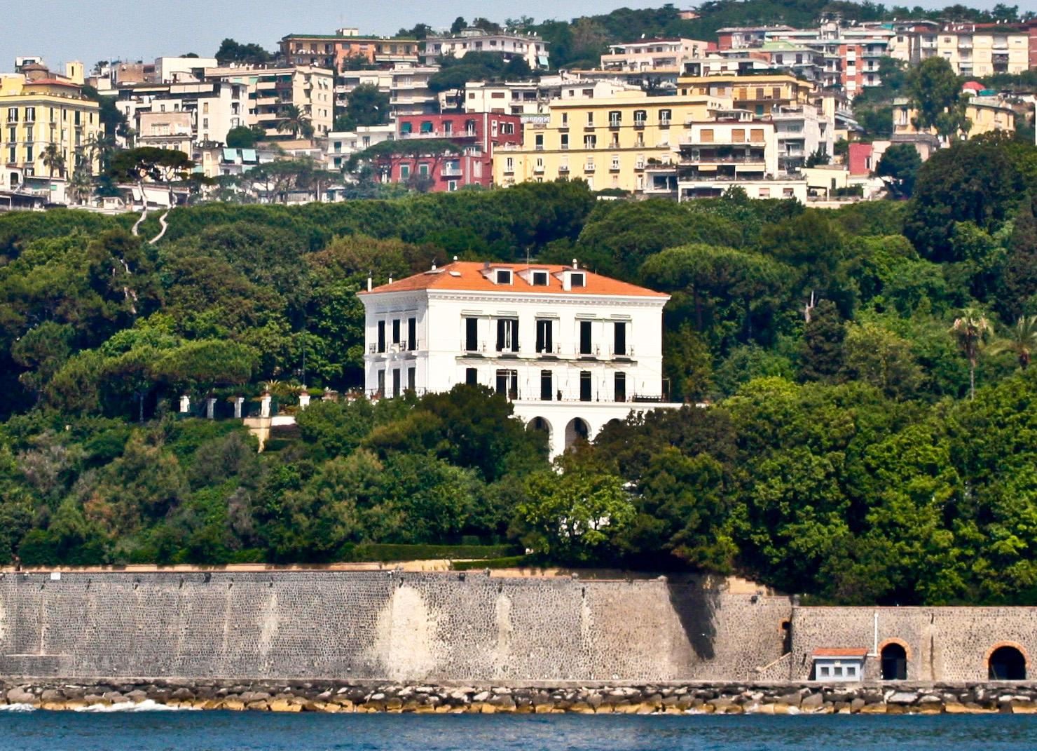 Cover Villa Rosebery