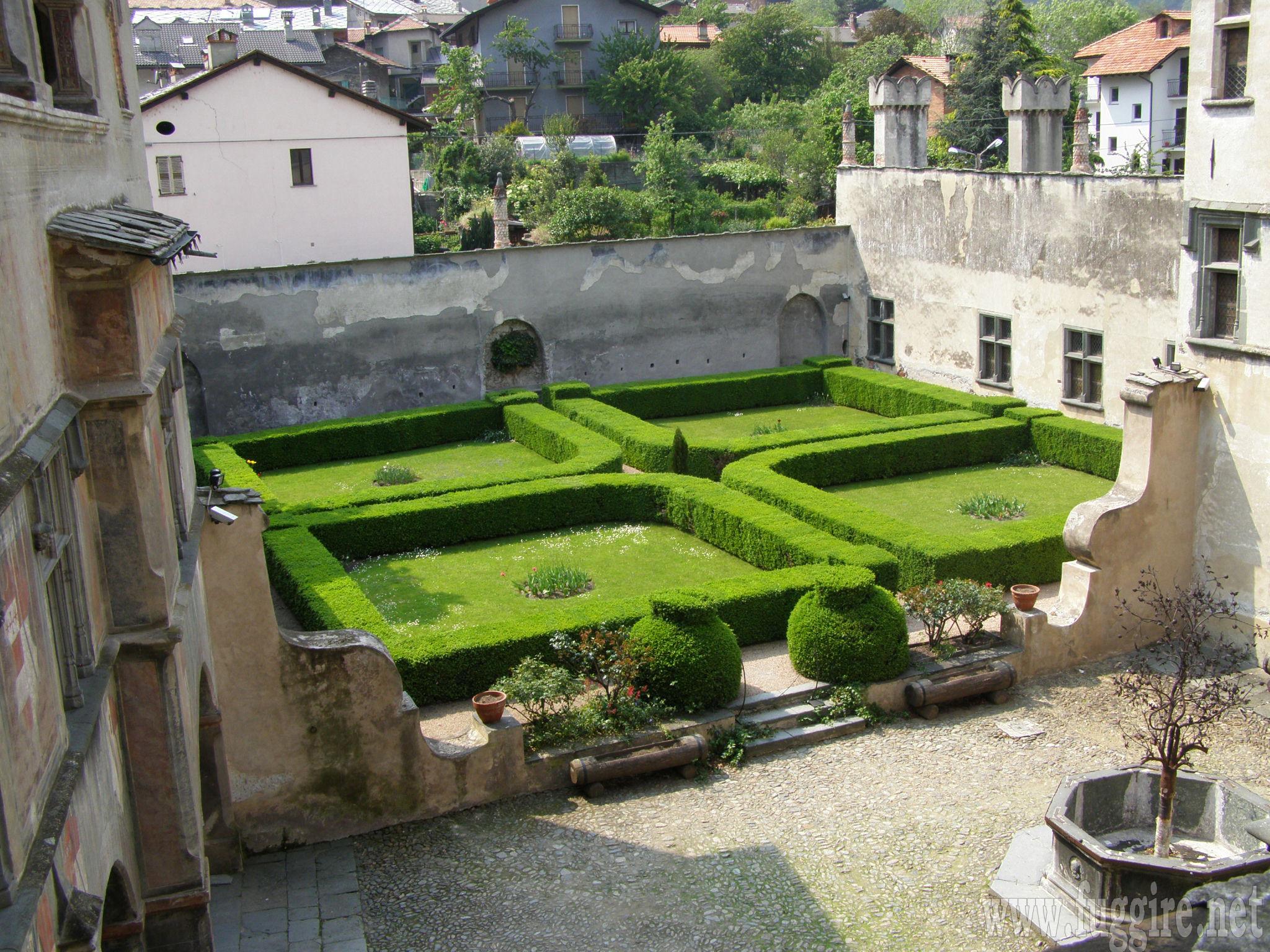 Cover Castello di Issogne