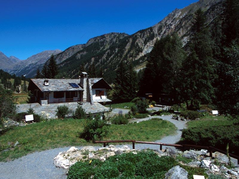 Cover Giardino Botanico Alpino Paradisia
