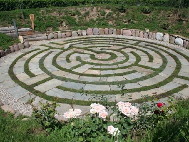 Cover Tenuta Erlebnis Kranzelhof e il Labirinto di viti