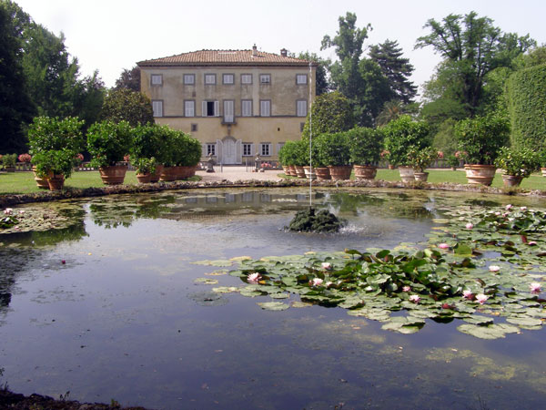 villa-grabau-pool-original