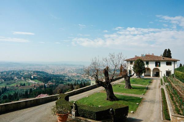 villa-medici-fiesole-garden-1535-jpg-600x
