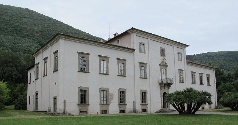 800px-villa-roncioni-san-giuliano-07