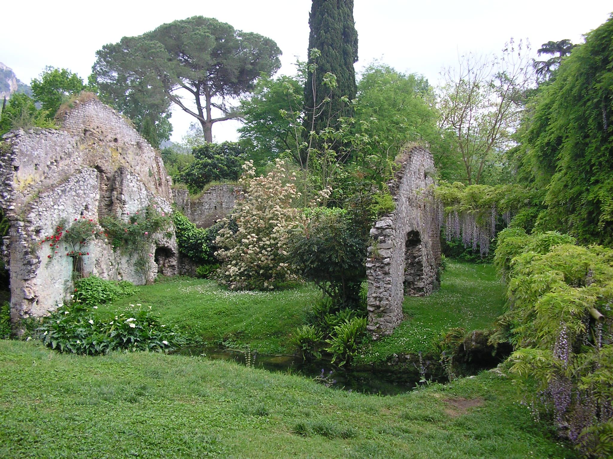 Giardino di ninfa luoghi italianbotanicaltrips - Giardini particolari ...