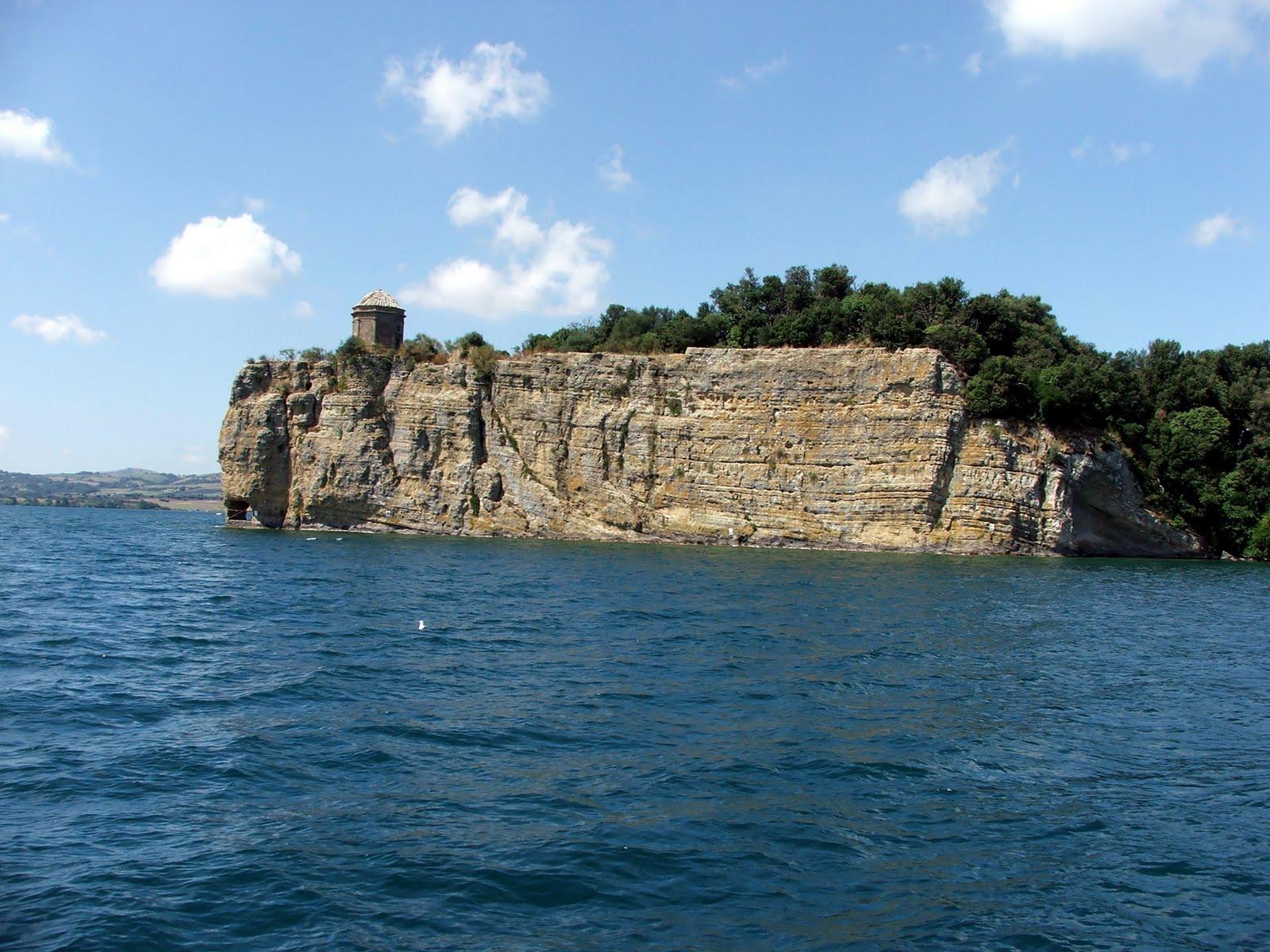 Cover Isola Bisentina