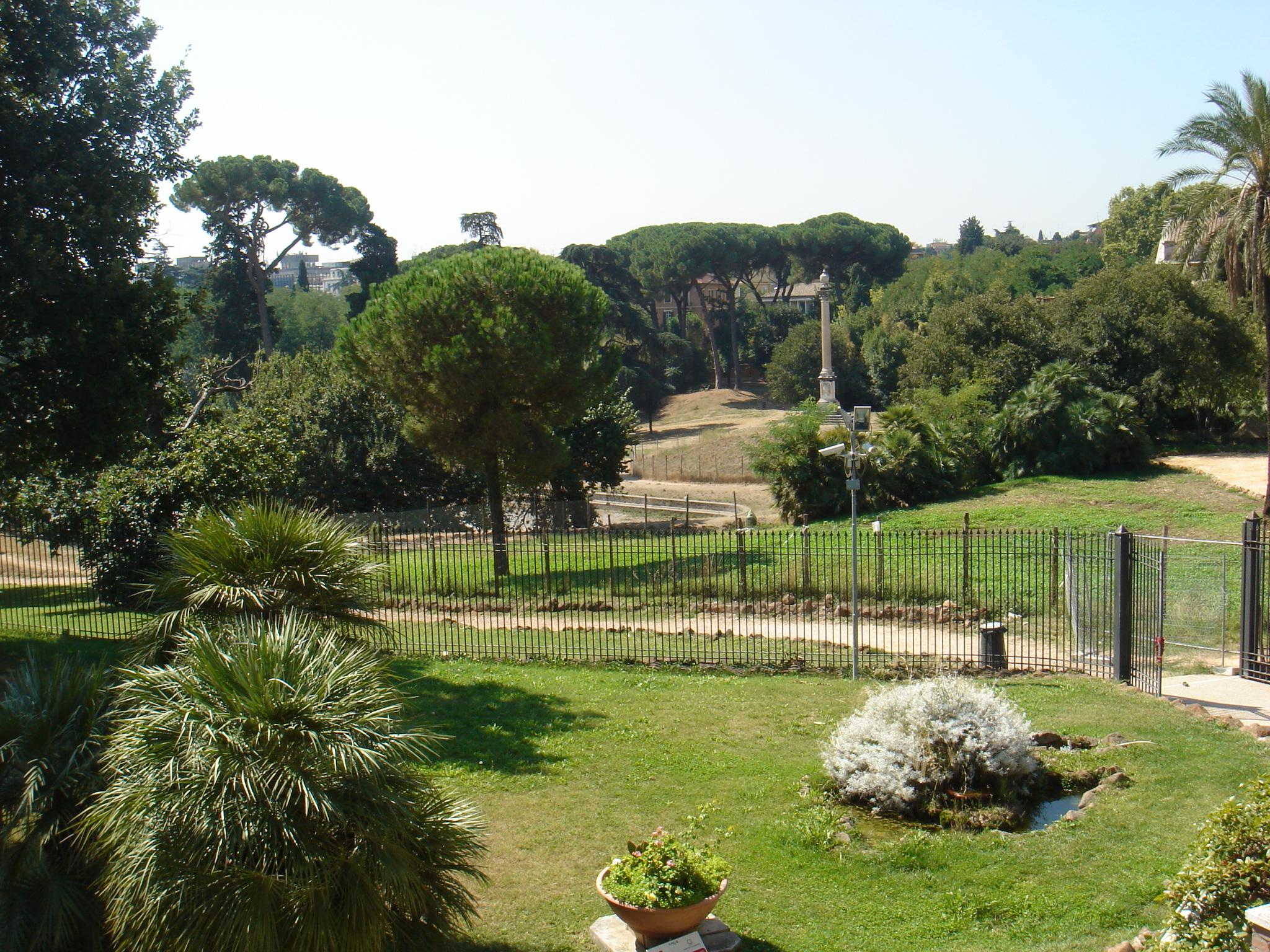 villa-torlonia-casina-delle-civette-giardino-01296