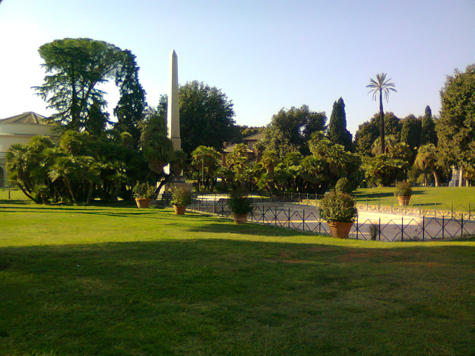 villa-torlonia-obelisco-retro