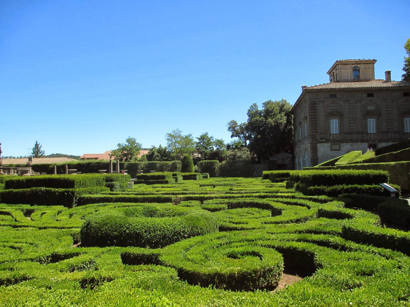 villa-lante-palazzo-farnese-19-