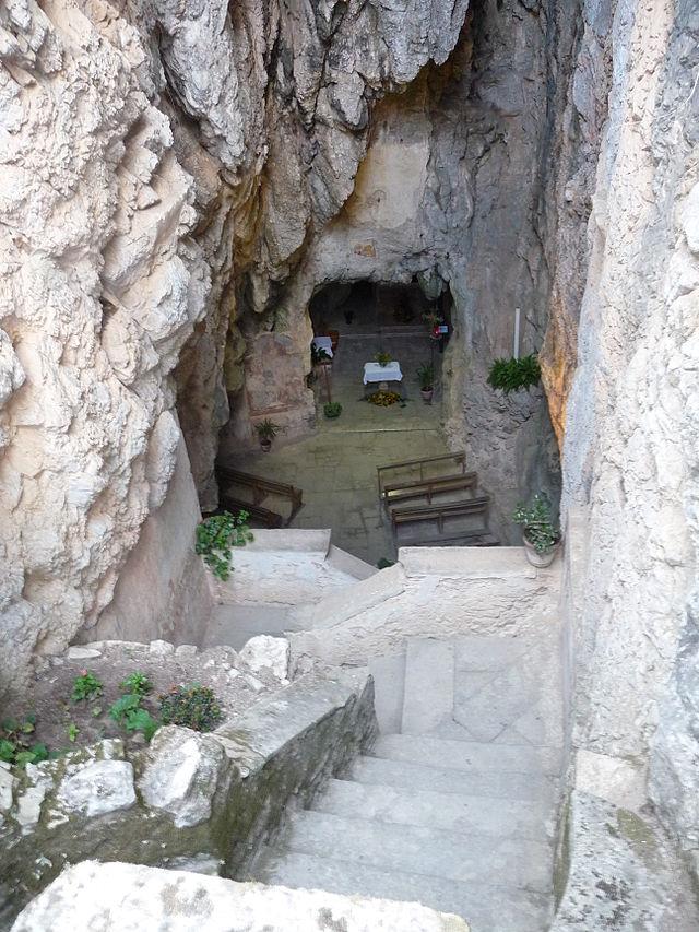 640px-grotta-di-monte-stella