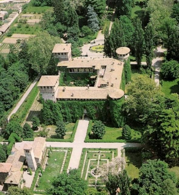 castellodigrazzanoviscontivedutaaerea-big