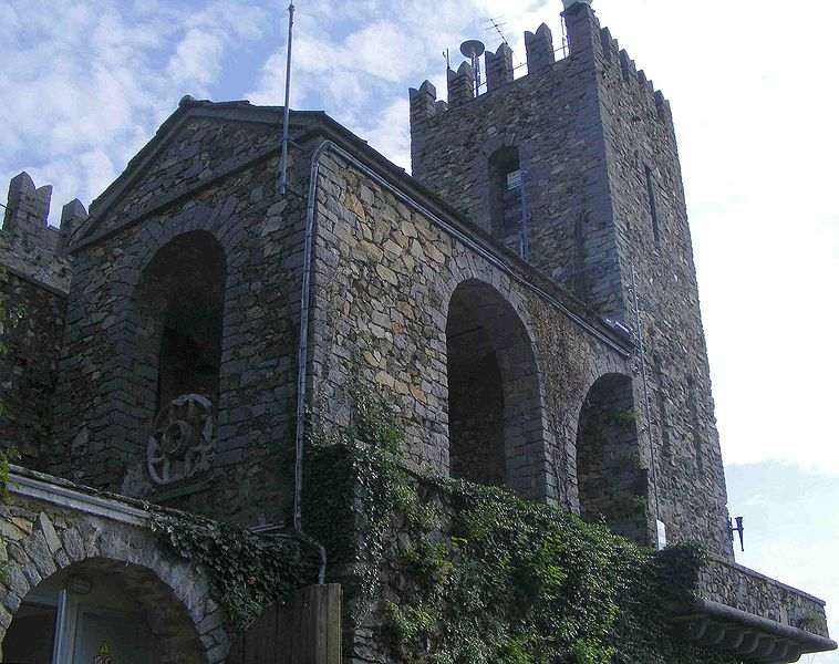 758px-castello-zumaglia