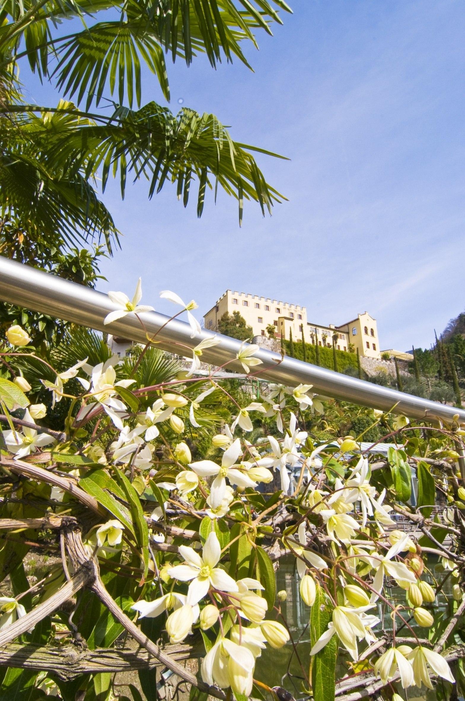 scorcio-giardini-di-sissi-in-primavera