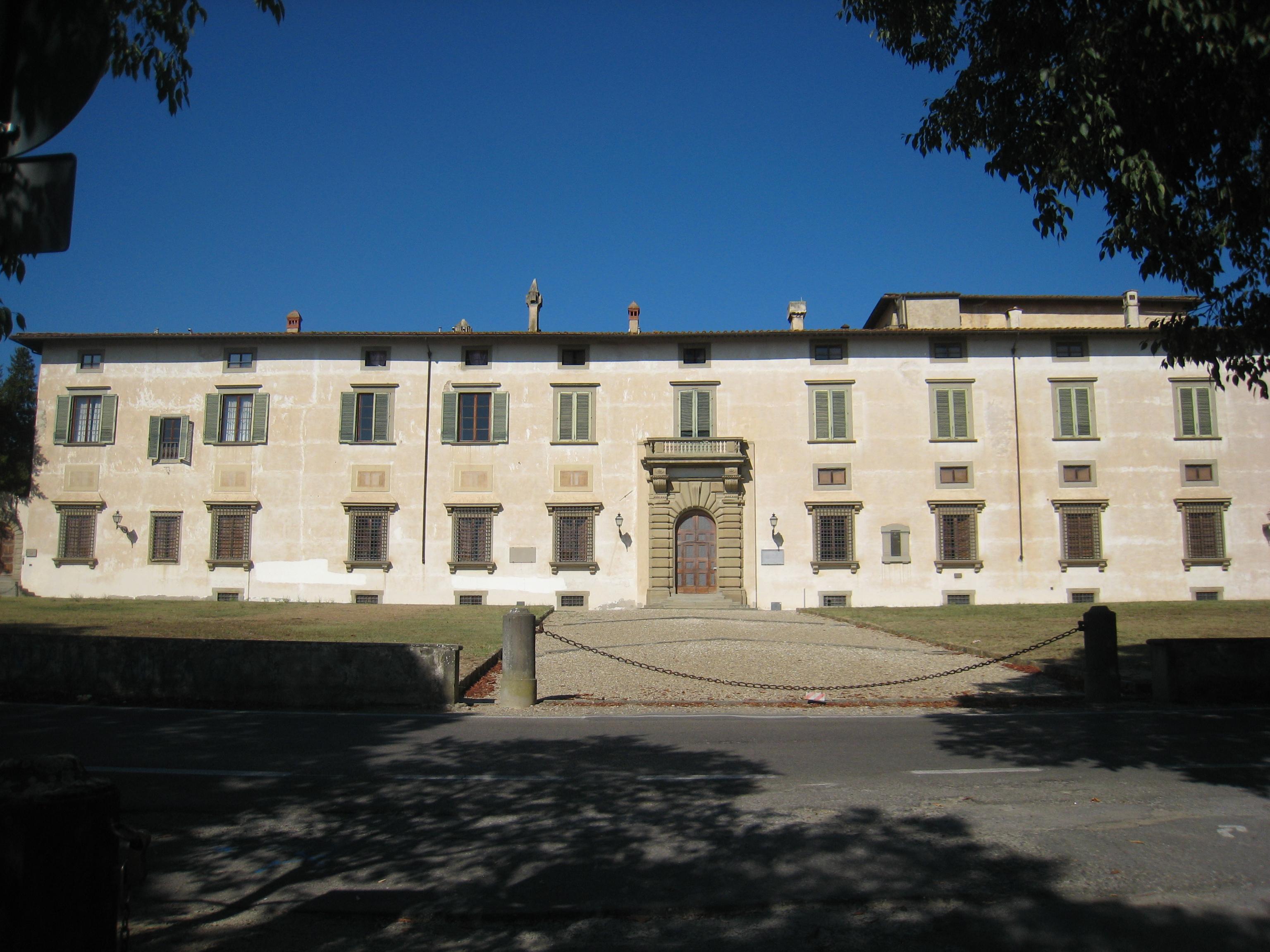 villa-medicea-di-castello-facciata-vista-frontale-