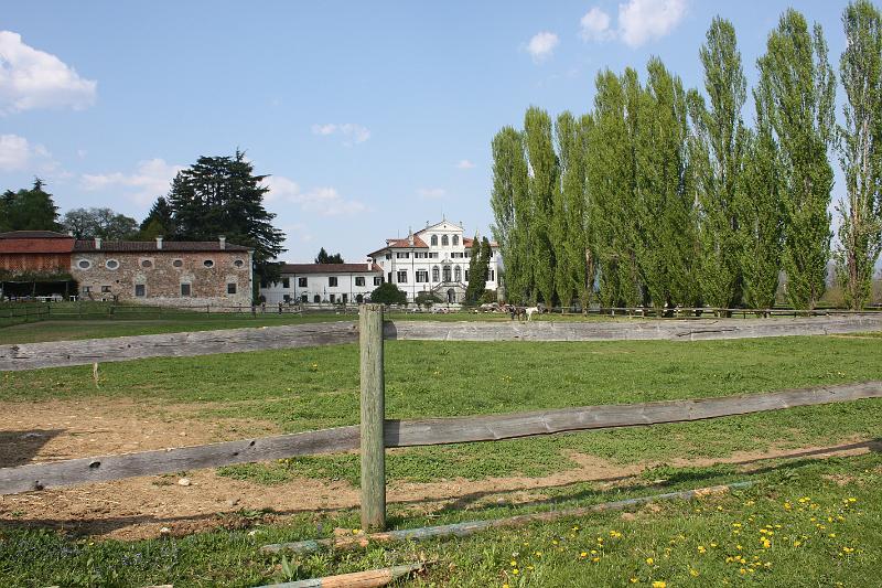 villa-gallici-deciani-13aprile2009-048